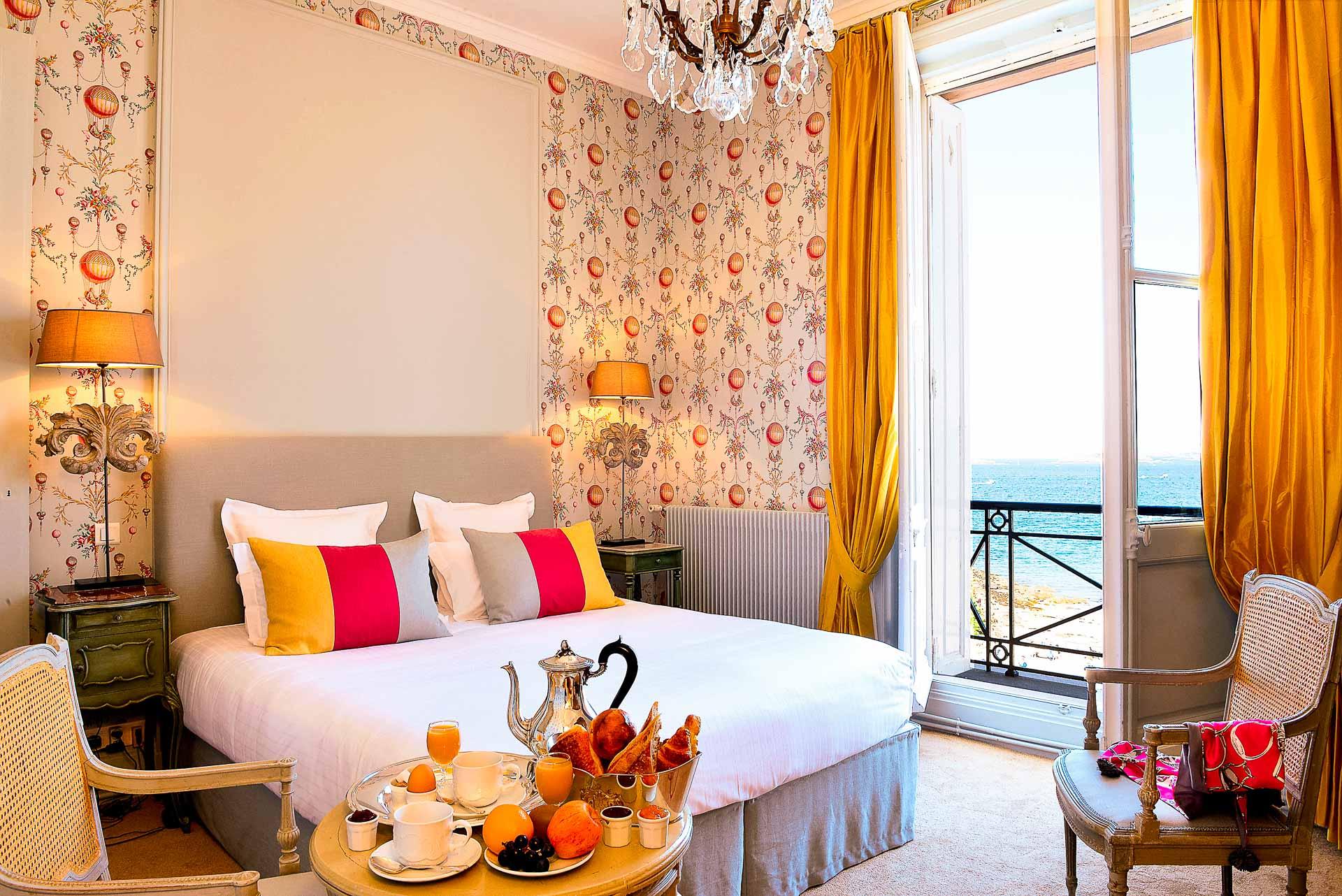 Hotel luxe bretagne bord de mer  Hôtel au centre ville de Dinard